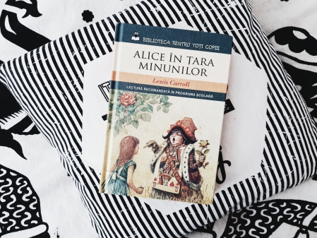 Recenzie Alice în țara minunilor de Lewis Carroll