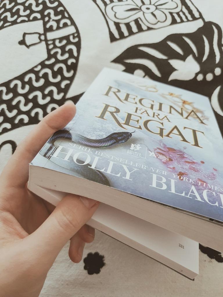 Currently reading: Regina fără regat de Holly Black
